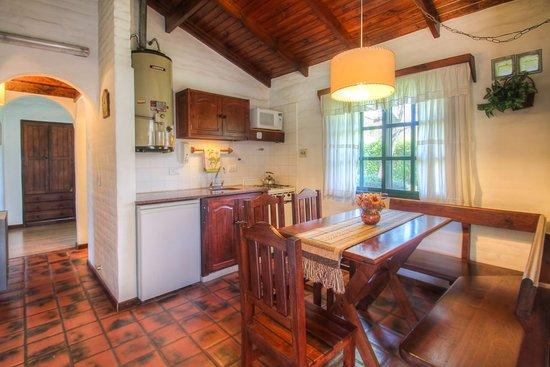 12 Casas Blancas Cabañas (Villa Geneal Belgrano, Córdoba) - Cabañas.com
