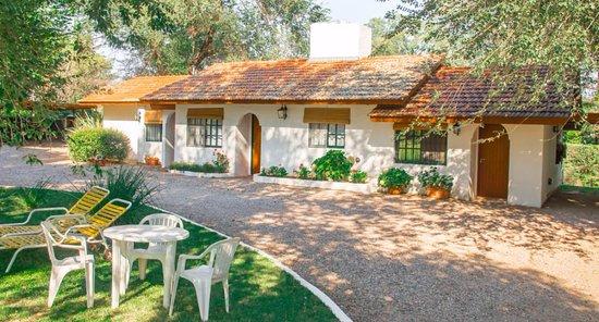 cabanascasasblancas Casas Blancas Cabañas (Villa Geneal Belgrano, Córdoba) - Cabañas.com