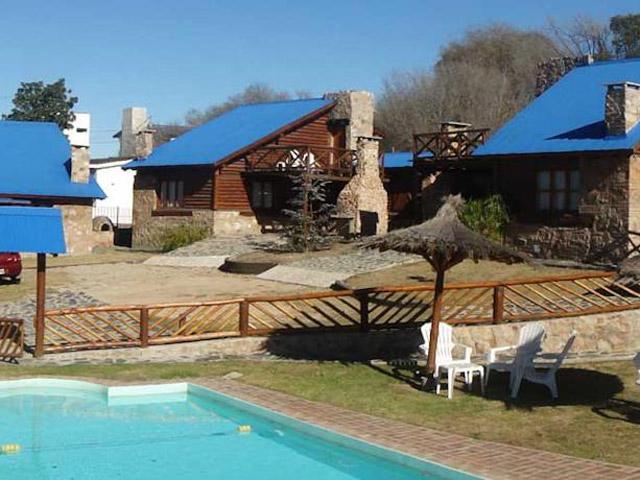 cabanas-el-madero_1_2831_0 Cabañas El Madero Cabañas en Villa Carlos Paz con pileta - Cabañas.com