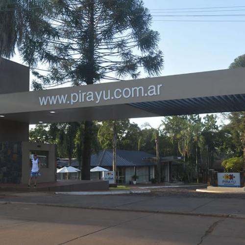 entrada1chica Pirayú Lodge Resort Puerto Iguazú