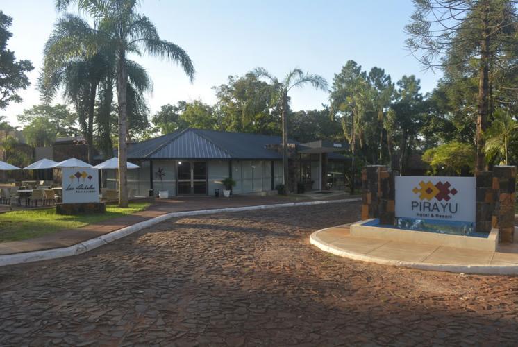 entrada2 Pirayú Lodge Resort Puerto Iguazú