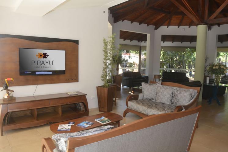 recepcion1 Pirayú Lodge Resort Puerto Iguazú