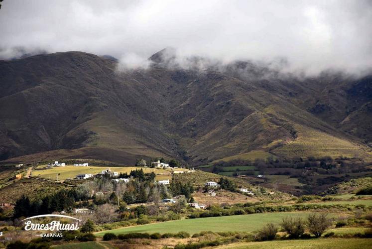 r120908orig Cabañas Ernes Huasi en Tafí del Valle