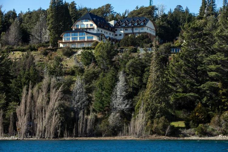 15349907 Hotel Amancay Bariloche