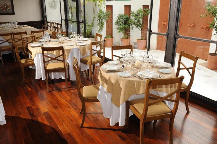 12004001 Hotel Almería Salta Hotel de excelente calidad y calificaciones por los huéspedes