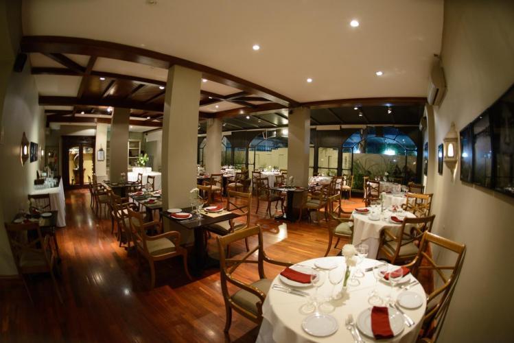 48213766 Hotel Almería Salta Hotel de excelente calidad y calificaciones por los huéspedes