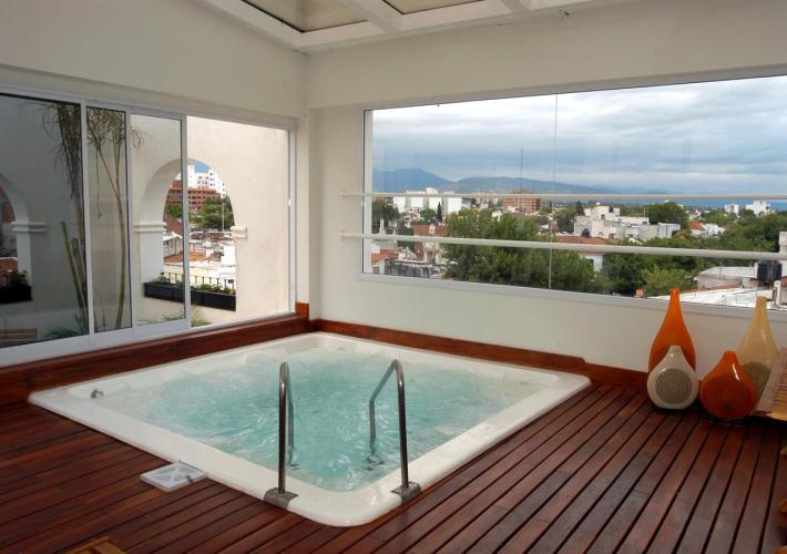 7616987 Hotel Almería Salta Hotel de excelente calidad y calificaciones por los huéspedes