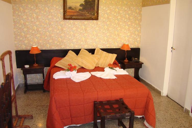 01 Petit Hotel Salta Alojamiento en Salta