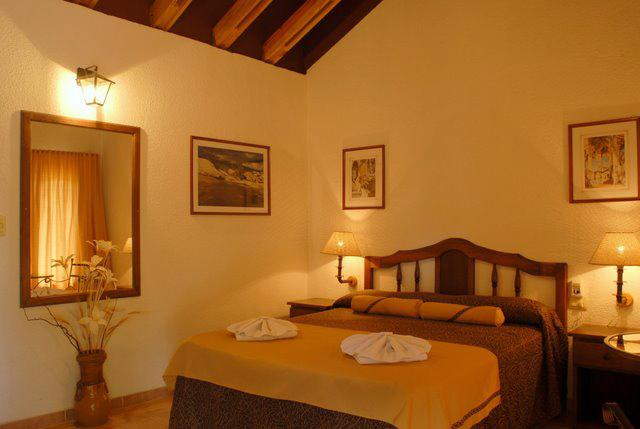 05 Balcón del Río, Hotel de Campo y Cabañas Mina Clavero