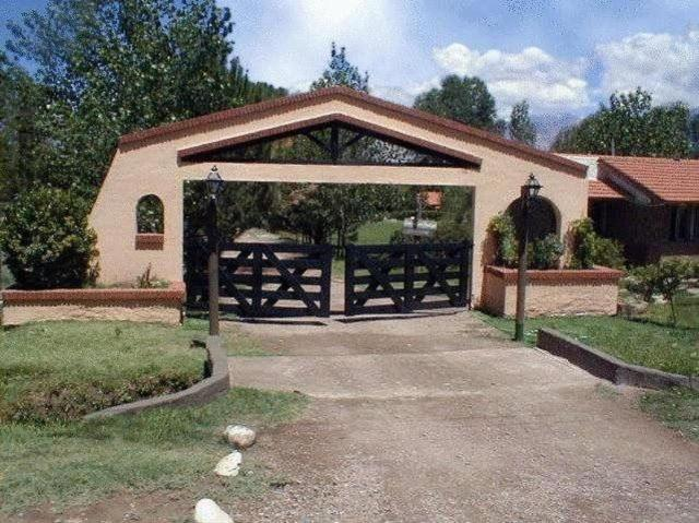 Cabañas Del Pastizal