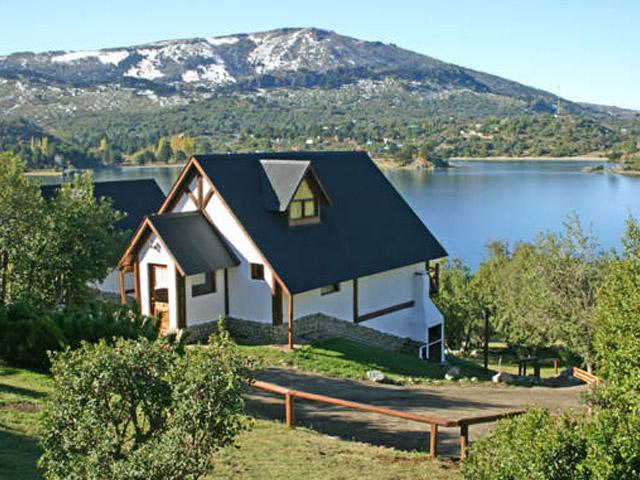 complejos-del-lago-alumine---complejo-la-serena_1_632_0 La Serena Cabañas y Hostería, Villa Pehuenia
