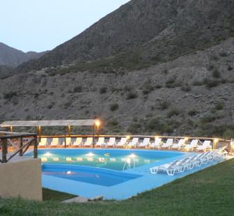 pileta051336x310 Pueblo del Río Mendoza