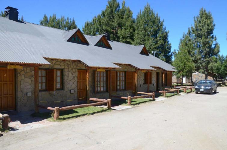6pax10 Don Cirilo Cabañas y Camping En Villa Pehuenia - Cabañas.com