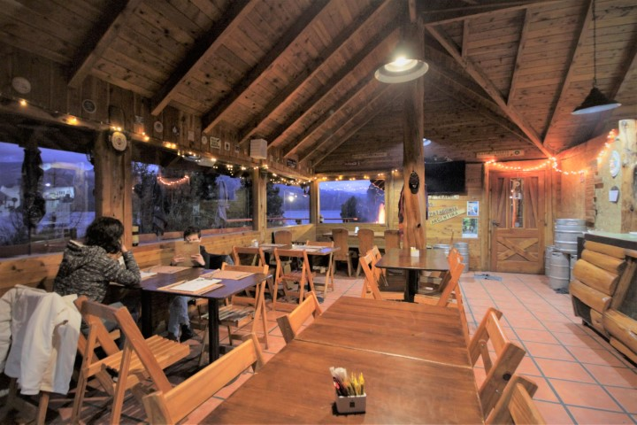 Restaurante en Costa Traful