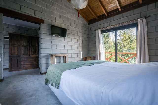 147255436 Hostería Arcanos Casa de Montaña Puerto Manzano