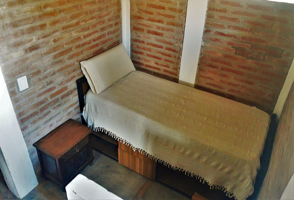 habitacion abierta, con cama individual